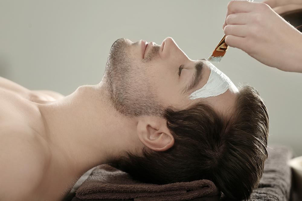 Facial treatment for men - Evelyn's Beauty Spa Sölden